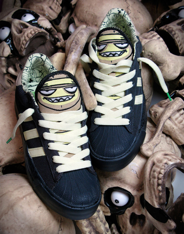 mysterious-al-adidas-superstar
