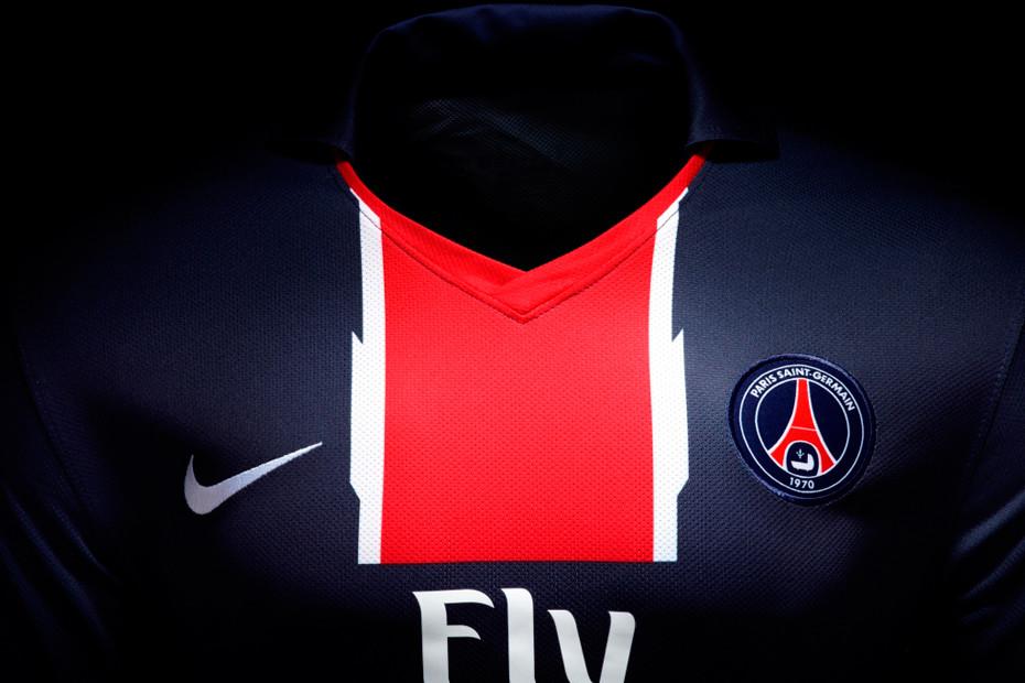 Nouveau maillot PSG saison 2010 2011