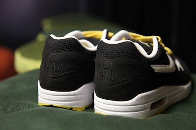 nike-air-max-1-omega-pack-fw-2010