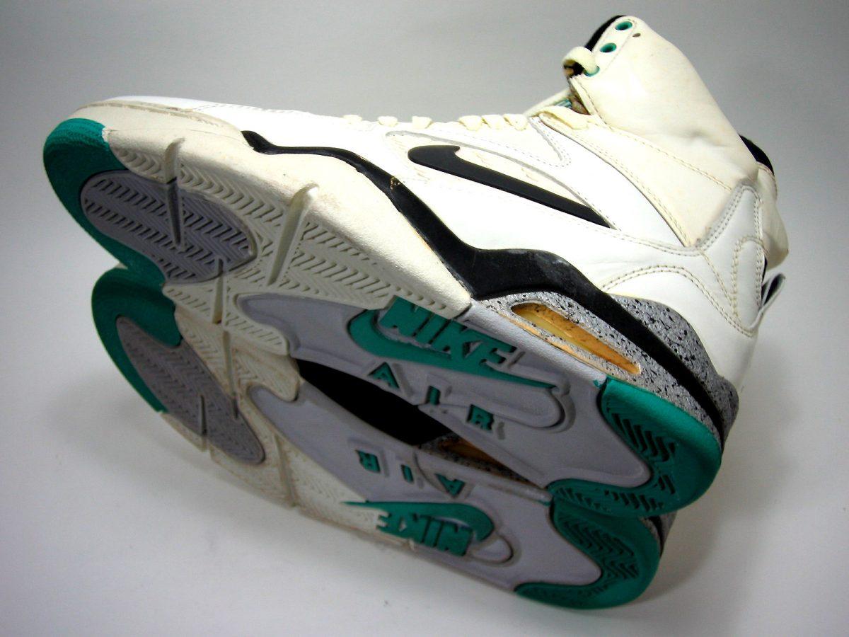 Nike Air Command Force Pump (1990)