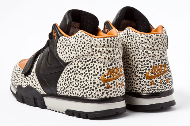 Nike Air Trainer Safari Retro 2012