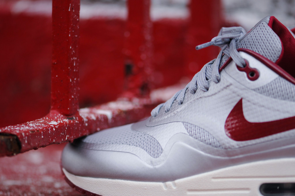 Nike Air Max Hyperfuse QS Night Track (Metallic Silver/Deep Red)-3