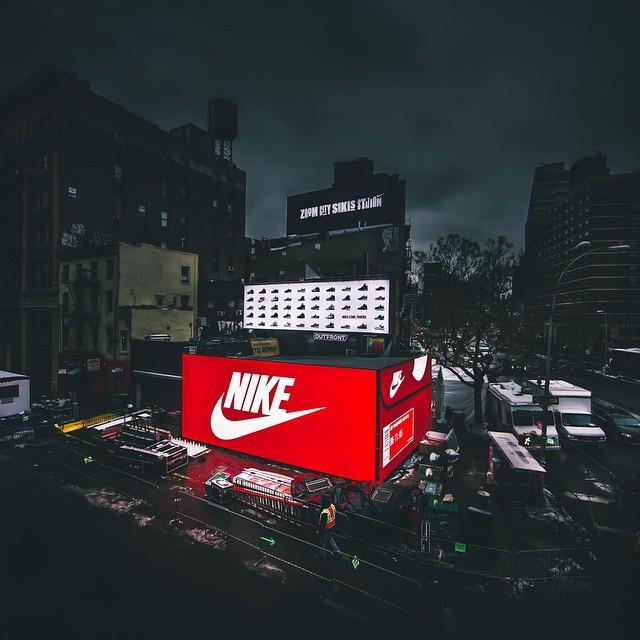 Nike Pop-up SHOE Box Store Mercedes Benz Fashion Week