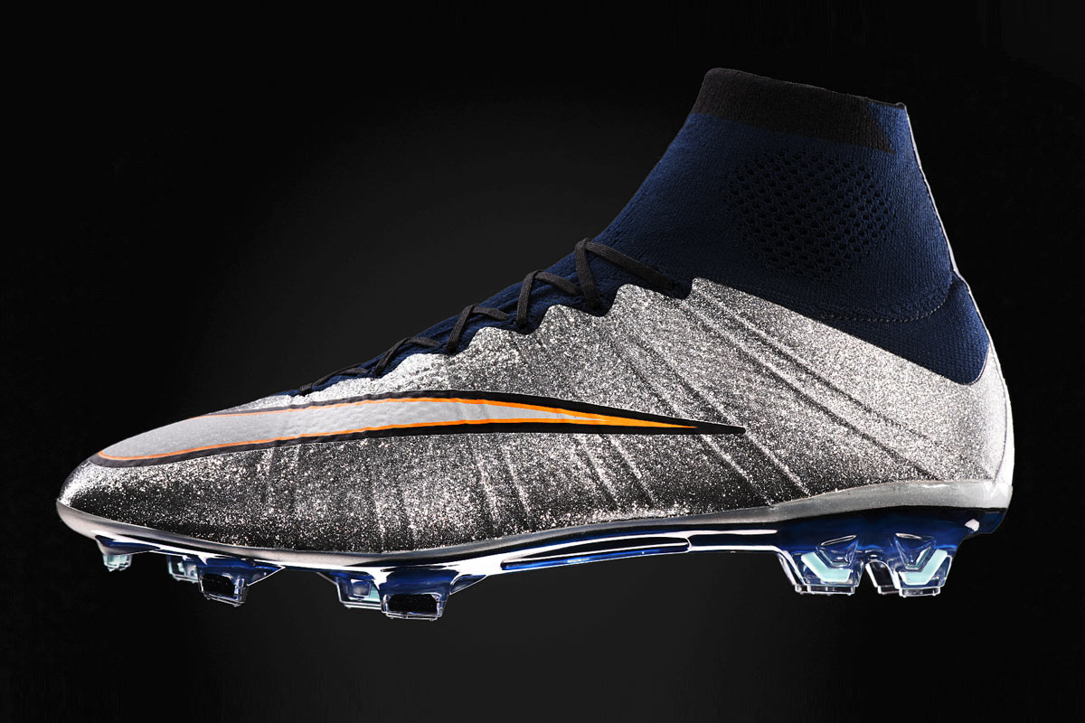 crampons nike mercurial superfly cr7 silverware 1. Black Bedroom Furniture Sets. Home Design Ideas