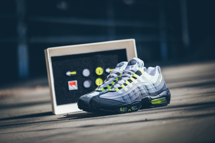 Nike Air Max 95 OG (Volt) 'Patch' Pack