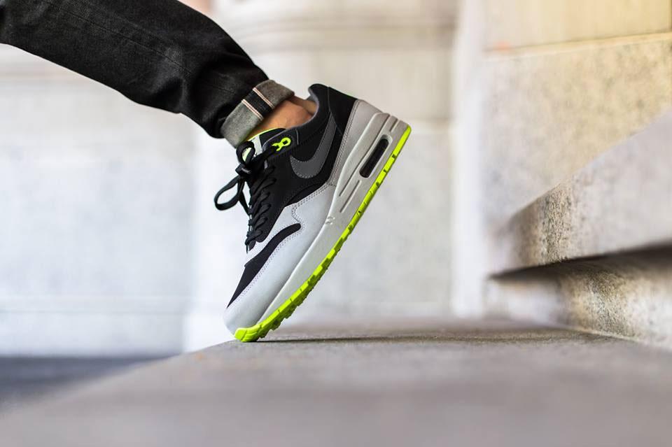Nike Air Max 1 Leather Black Dark Grey Silver Volt 2015