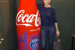 Bouteille-Coca-Cola-x-PSG-Soiree-de-lancement-Bouteille-Geante-1
