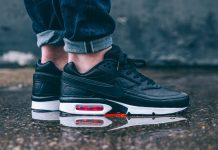 Nike Air Max Classic 'BLACK BRIGHT CRIMSON'