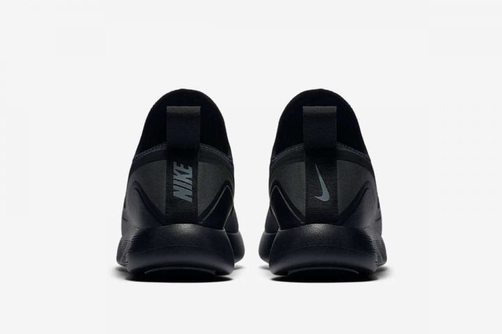 Nike Lunarcharge ESSENTIAL BLACK-5