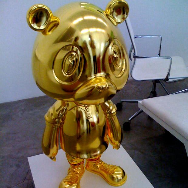gold bear scultpure - kanye west - Takashi Murakami