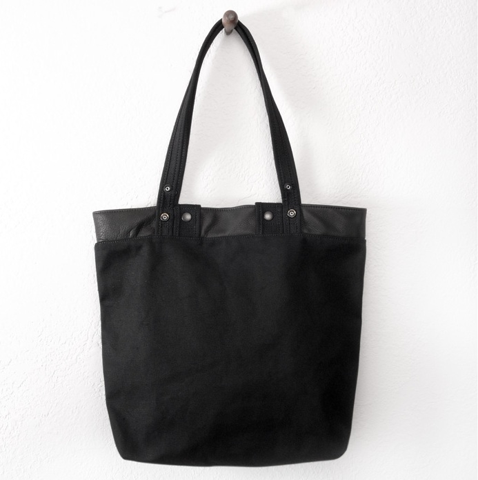 sac Makr button tote collection 2010