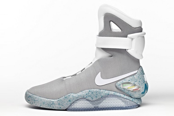 1500 paires de nike mag de marty mcfly en vente aux ench res sur ebay. Black Bedroom Furniture Sets. Home Design Ideas