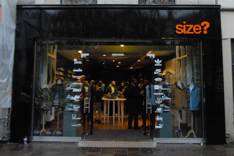 Ouverture magasin size paris les halles france 2012 - Magasin meuble chatelet ...