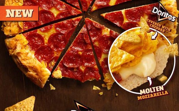 Pizza Hut Doritos Crunchy Crust - Fromage/Chips