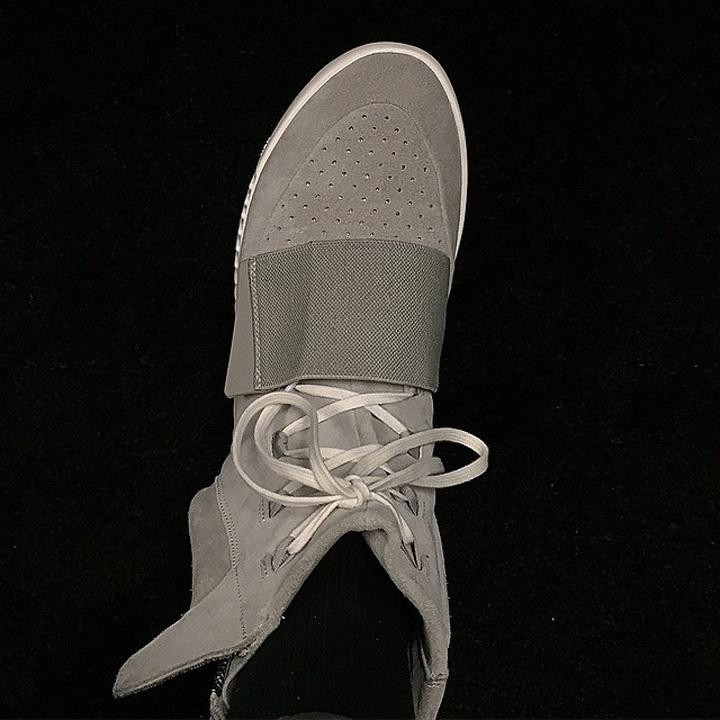 Kanye West x adidas Yeezy Boost-1