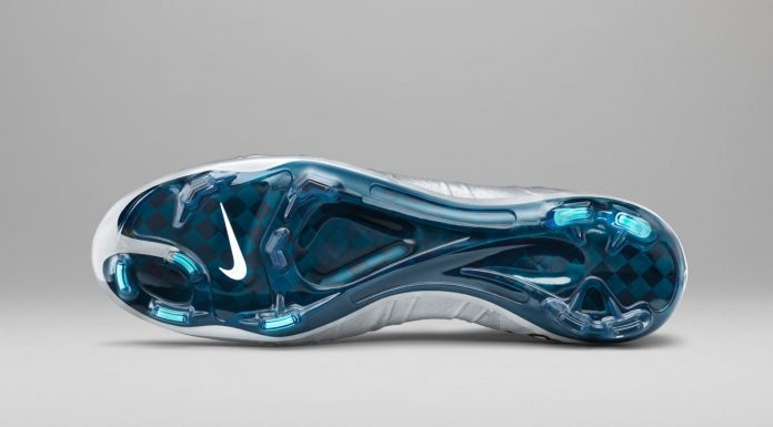 Crampons-Nike-Mercurial-Superfly-CR7-Silverware