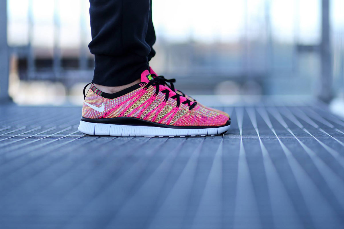 Nike Free Flyknit NSW (Pink-Flash-White-Volt)