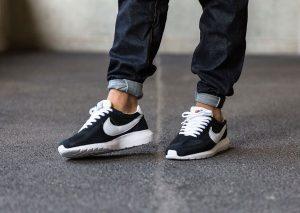 Nike Roshe LD-1000 QS (Black/White-White)-2