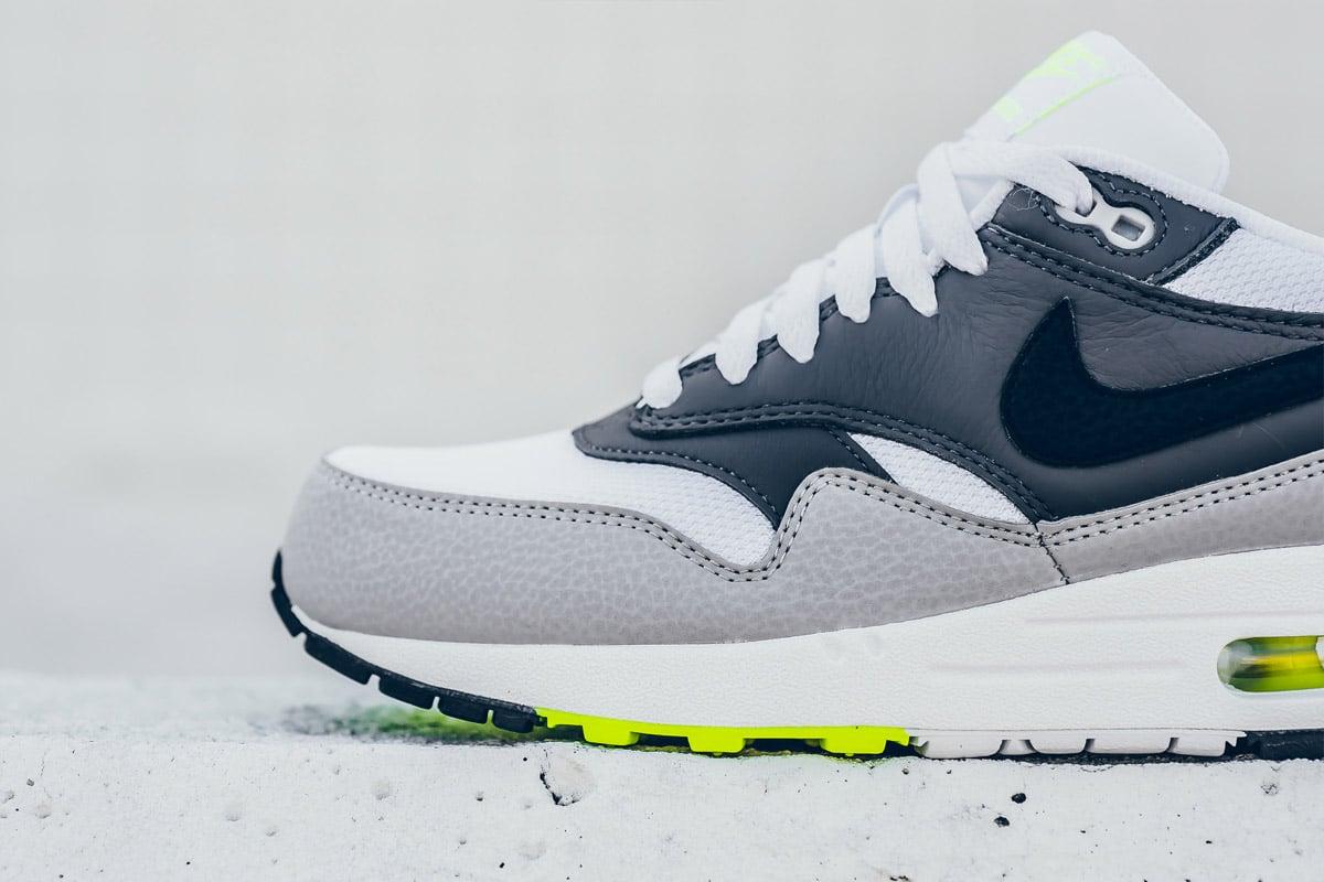 Nike Air Max 1 ESSENTIAL (White/Dark Grey/Volt)